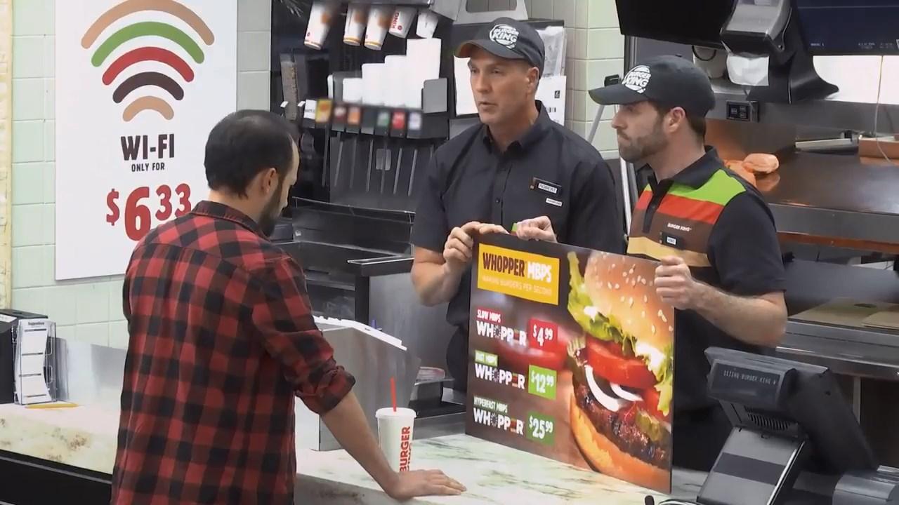 Burger King restoranlarında aynı internet tarifeleri gibi yüksek fiyata yüksek hızda servis