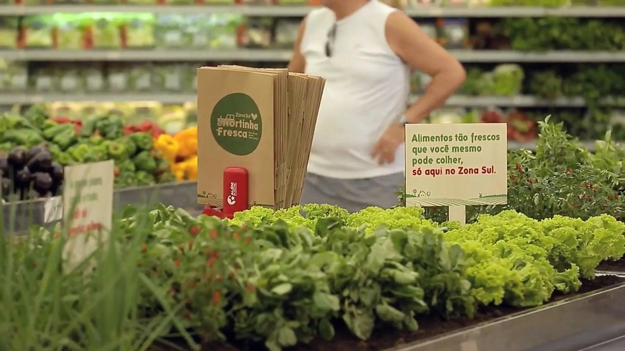 Daha taze alışveriş için bahçeye dönüşen meyve ve sebze reyonları